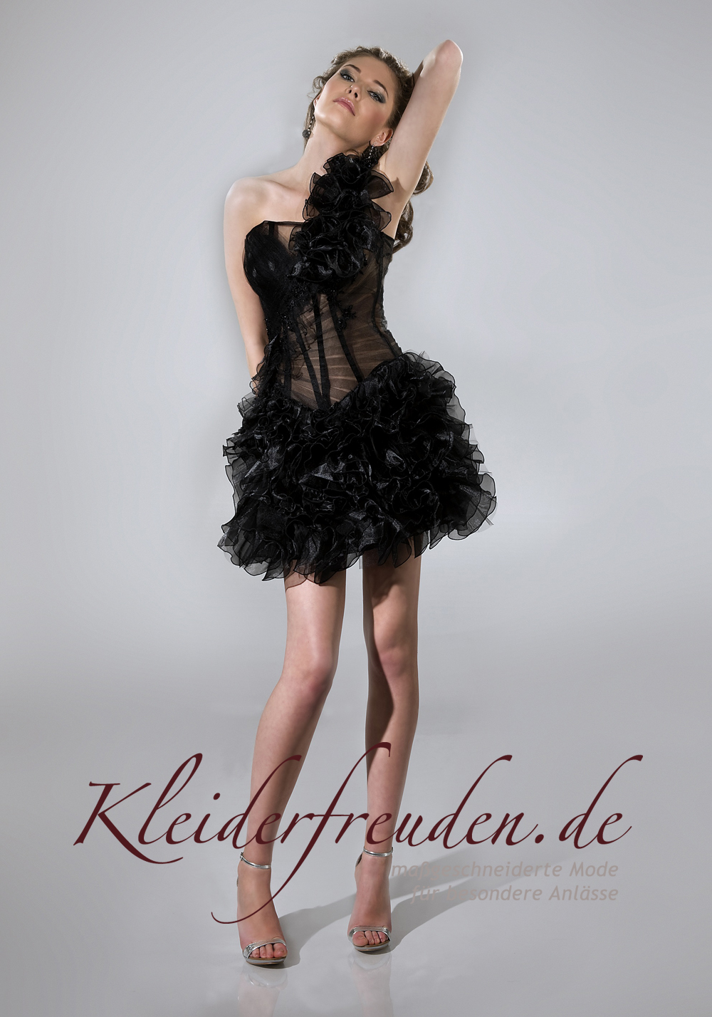 kleiderfreuden brautmode online bestellen ausgefallene kurze cocktailkleider nach ma f r sie. Black Bedroom Furniture Sets. Home Design Ideas