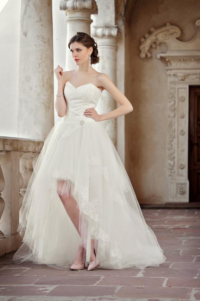Brautkleid vorne kurz hinten lang Korsage Spitze Maßanfertigung