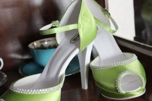 Grüne Brautschuhe mit Strass