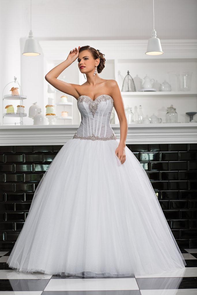 Brautkleid mit Strass Korsage