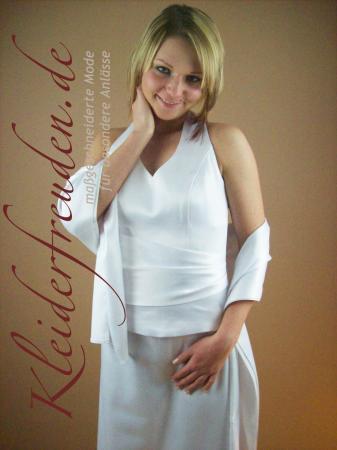 Schlichtes Standesamtkleid mit Neckholder schmales Brautkleid