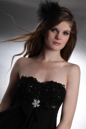 langes abendkleid konfirmationskleid aus chiffon und spitze schwarz  kleiderfreuden