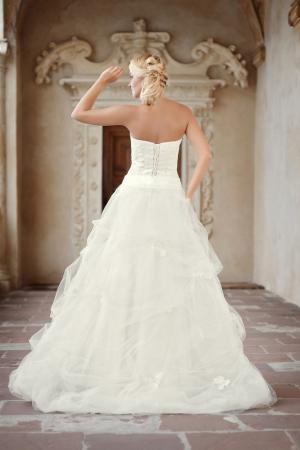 Brautkleider mit abnehmbaren Röcken und Schleppen - Kleiderfreuden