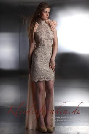 Designer Standesamtkleid kurz mit Schleppe extravagant