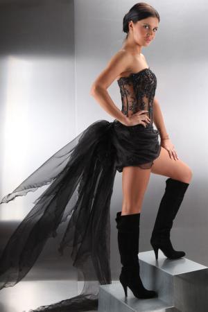 Brautkleid Schwarz Gothic   Mini Brautkleid Mit Schleppe Sexy Kleiderfreuden