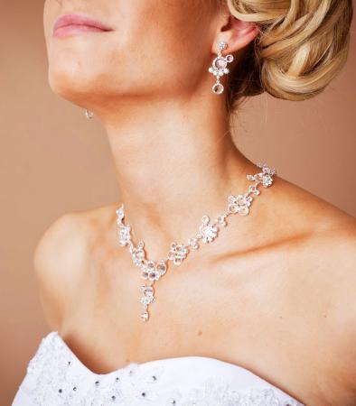 Brautschmuck kette+ohrringe  Brautschmuck wunderschöne Ohrringe aus Kristallen - Kleiderfreuden