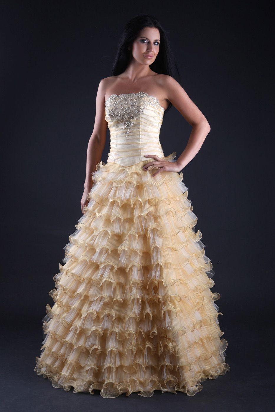 Western Ballkleid Brautkleid mit Rüschen & Korsage Opulent Creme ...