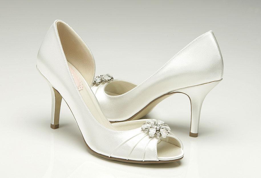 Peeptoes Fur Die Braut Mit Perlen Kleiderfreuden