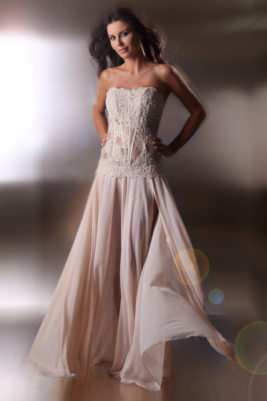 free shipping e7529 d1736 Designer Abendkleid aus Spitze & Chiffon beige creme nude ...