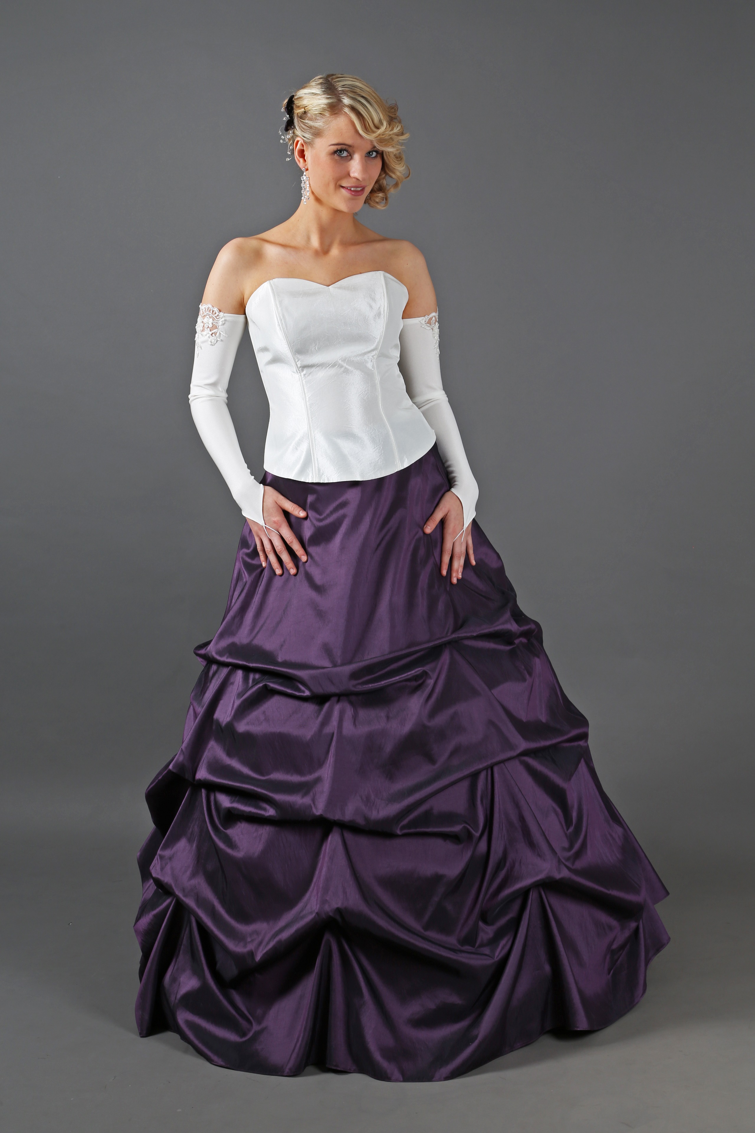 Brautkleid Mit Schleppe Lila Creme Kleiderfreuden