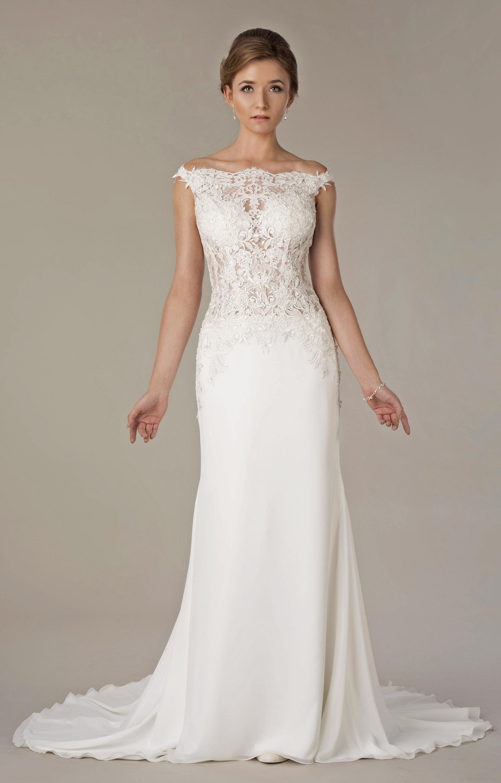 Brautkleid mit U Boot Ausschnitt aus Spitze - Kleiderfreuden