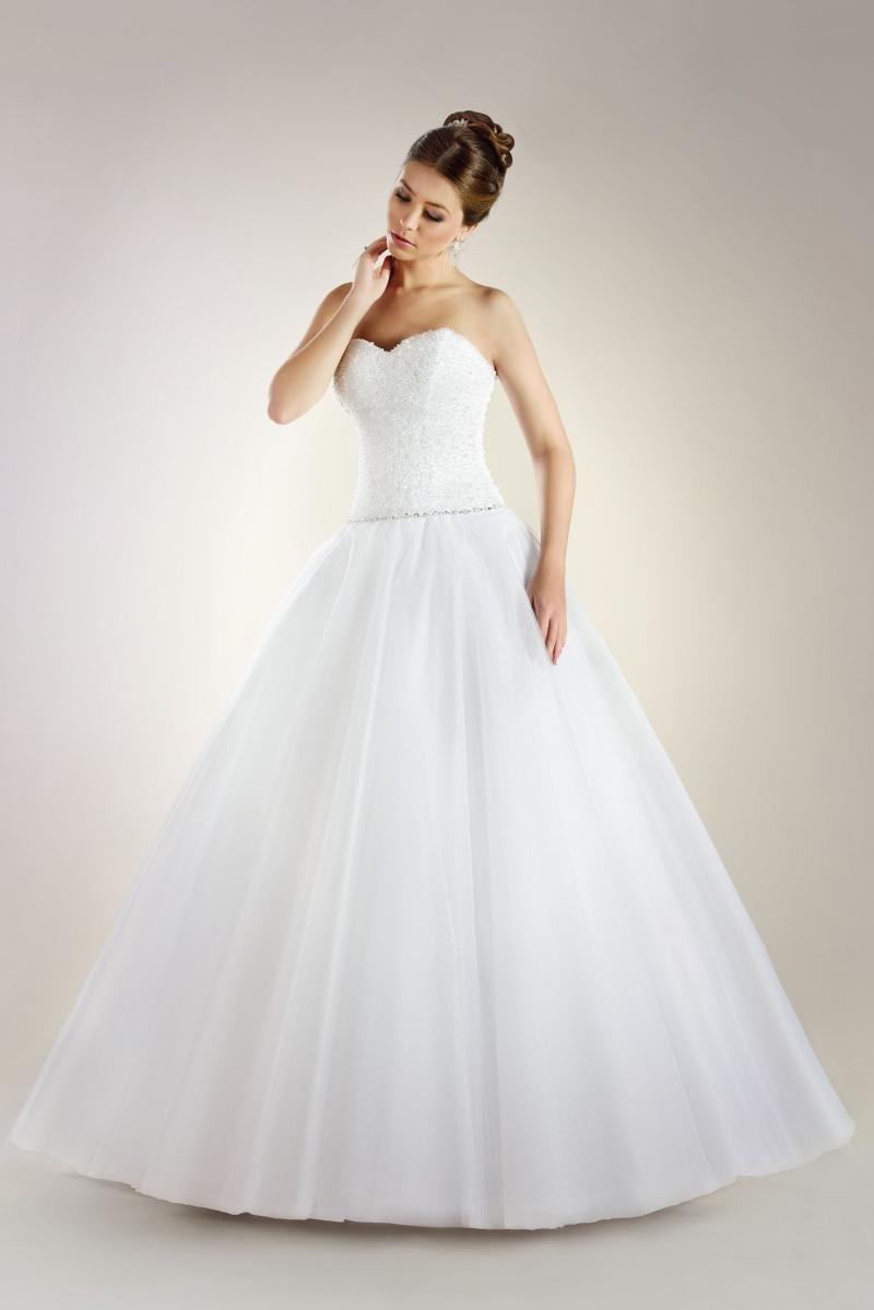 Brautkleid Mit Perlen Korsage Und Schonem Tullrock Kleiderfreuden