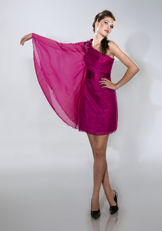 Pinkes Cocktailkleid mit einem Flügelärmel andere Farben möglich ... 6eccb429e8