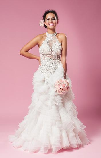 Brautkleid Mit Neckholder Und Transparenter Korsage Kleiderfreuden