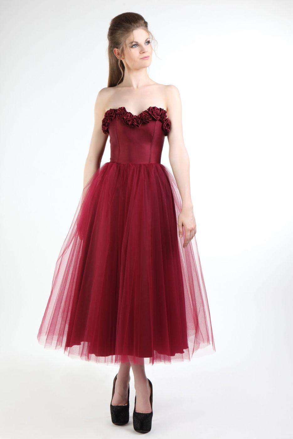 abendkleid in bordeaux mit kleinen Rosen - Kleiderfreuden
