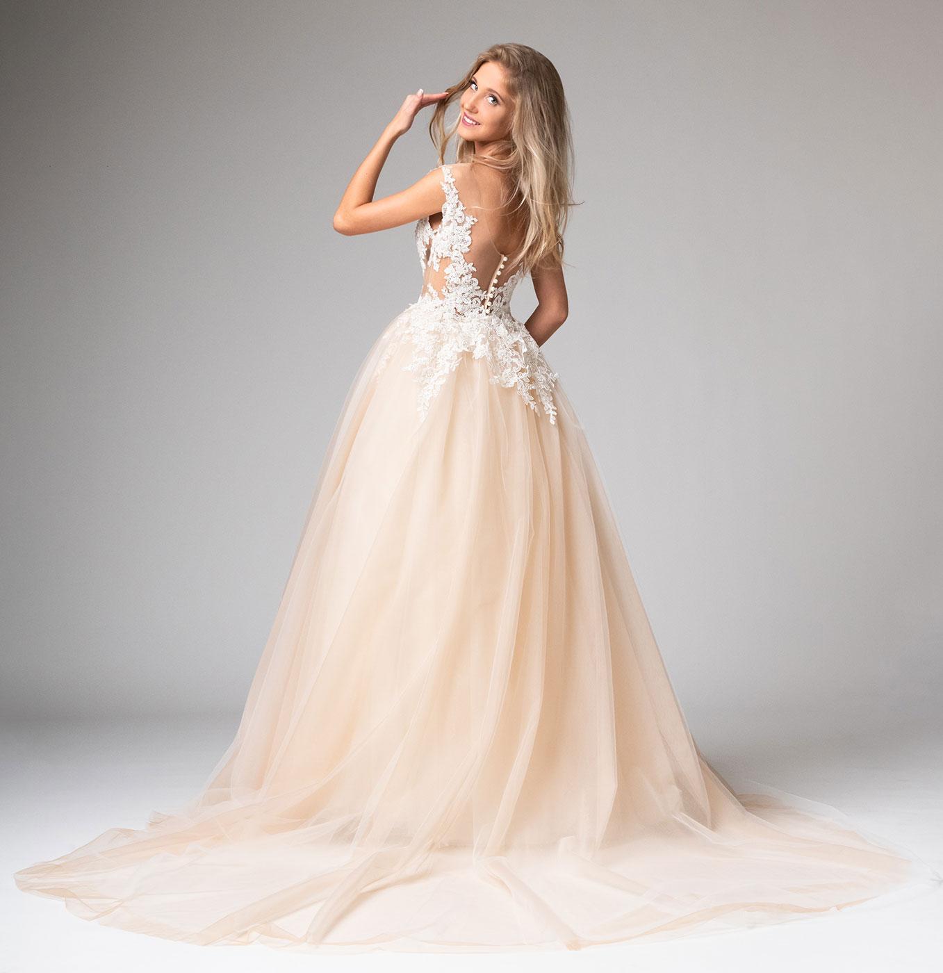 Tüll Brautkleid mit abnehmbarer Schleppe Maßanfertigung