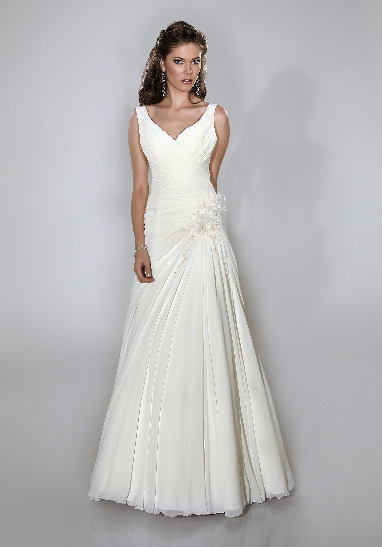 schlichtes Brautkleid mit breiten Trägern - Kleiderfreuden