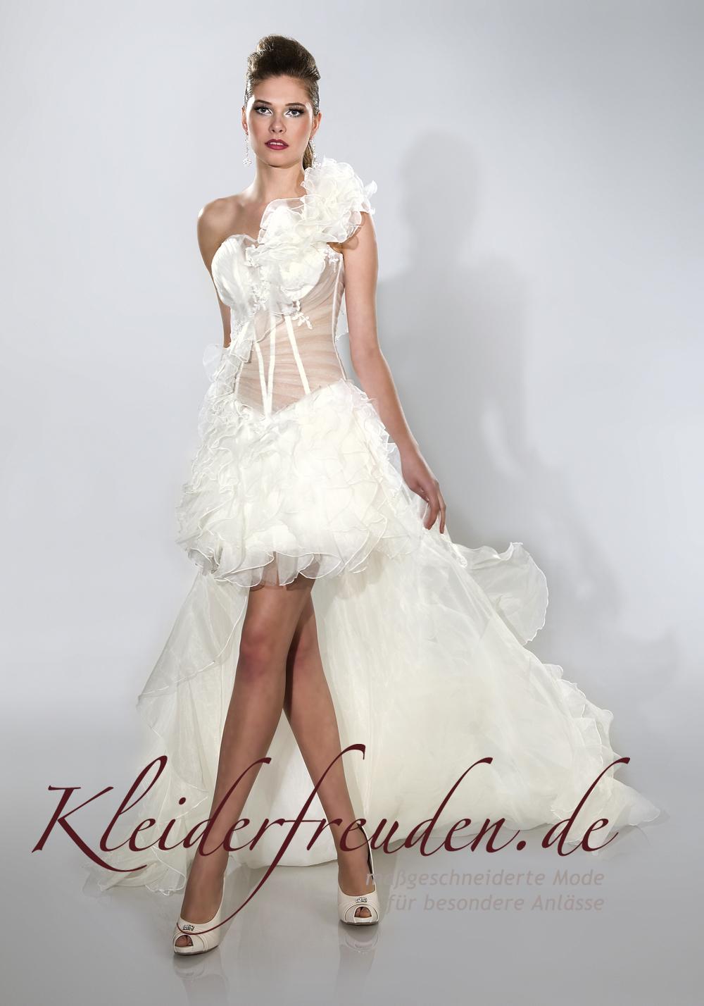 Brautkleid vorne kurz hinten lang mit sexy Korsage - Kleiderfreuden