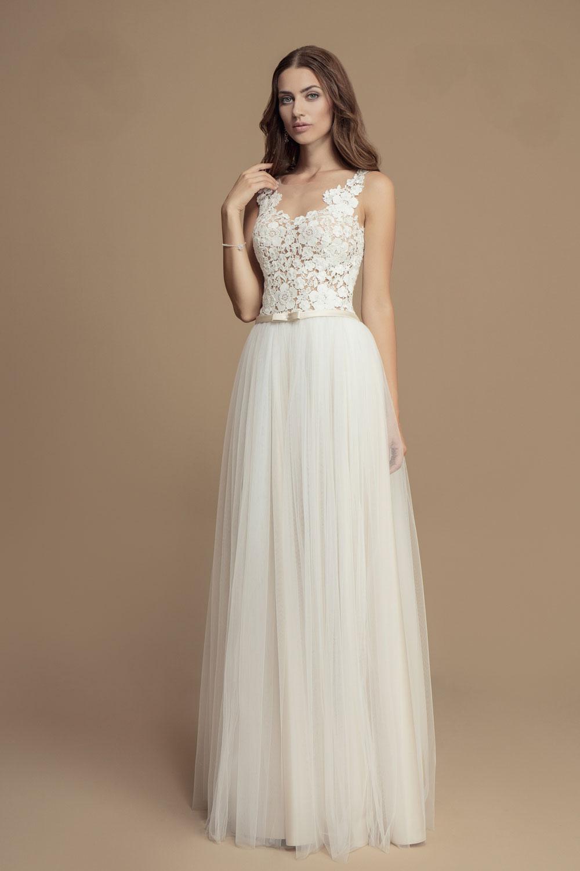 Schmales Blush Brautkleid mit farbigem Gürtel - Kleiderfreuden