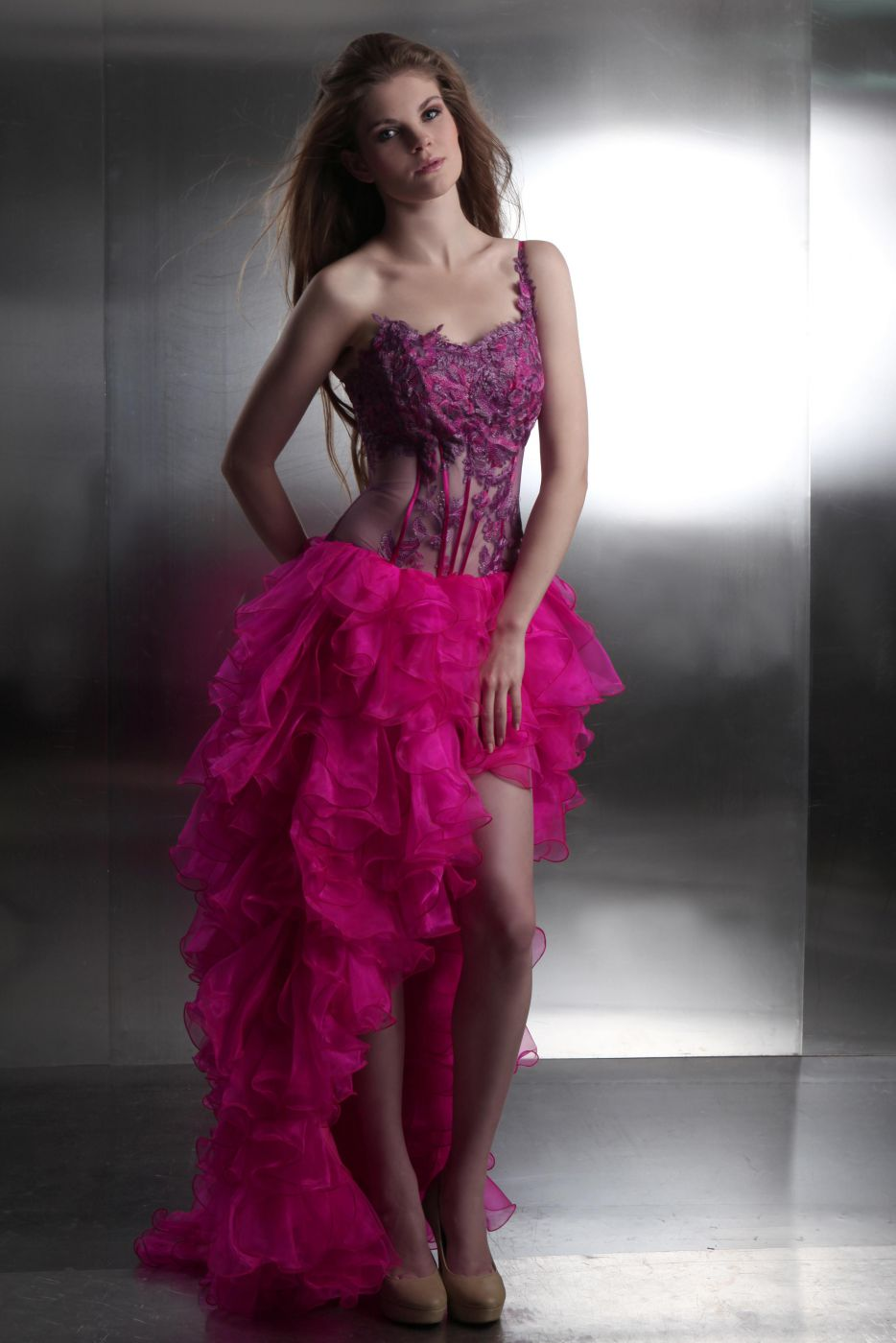 Cocktailkleid vorne kurz hinten lang in Pink transparente Korsage ...