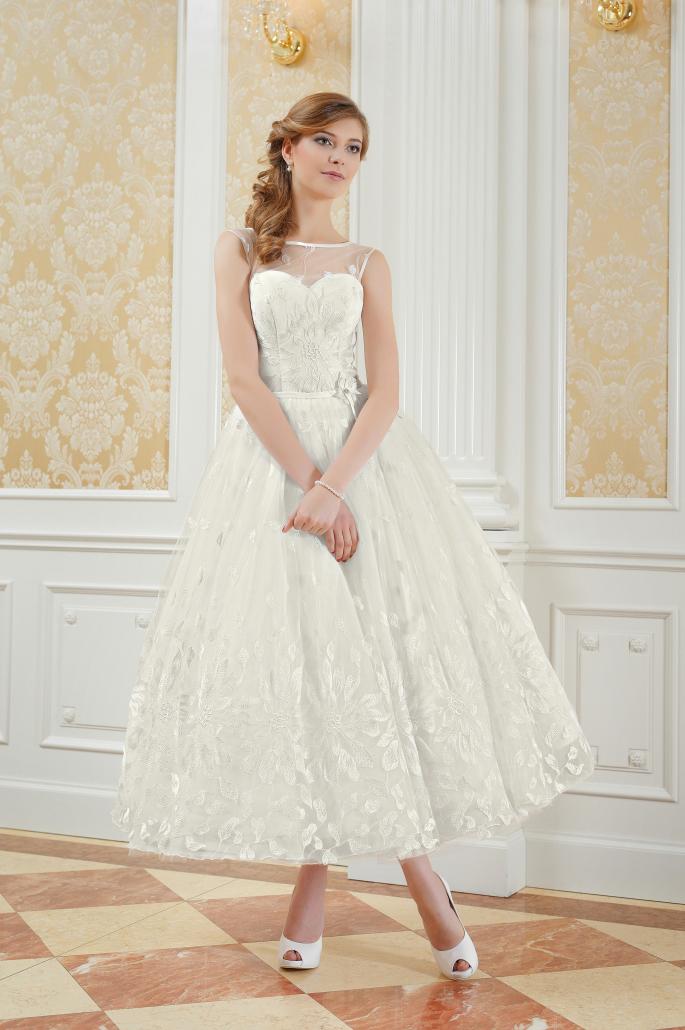 Romantisches wadenlanges Brautkleid aus Spitze - Kleiderfreuden