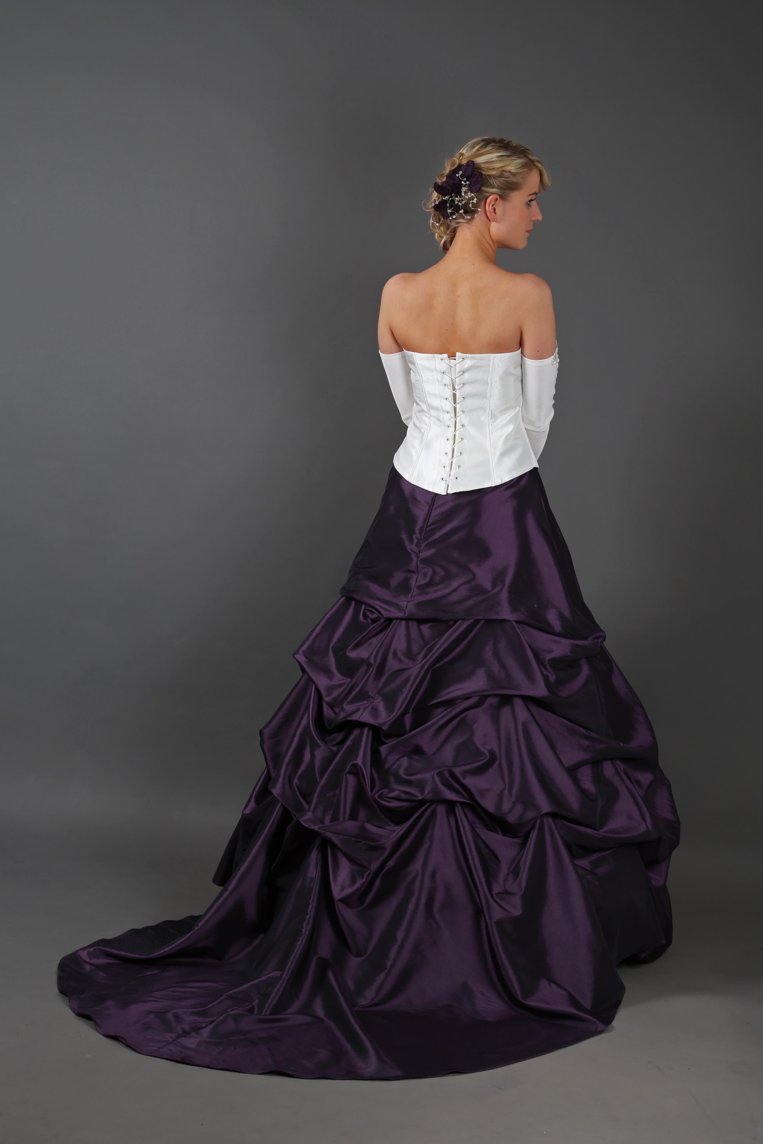 Brautkleid lila creme mit geraffter Schleppe Größe 38 mit Reifrock ...