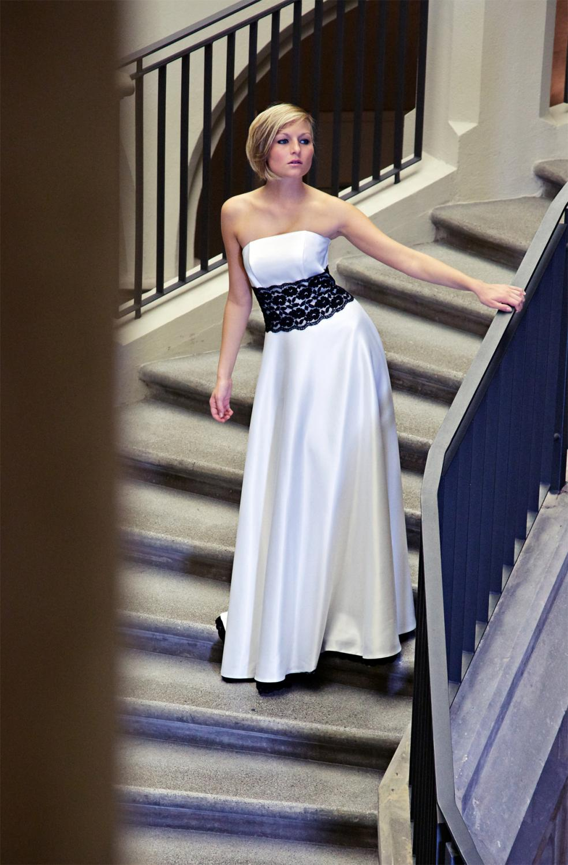 Startseite » Braut » Schmale Brautkleider » Brautkleid schwarz ...