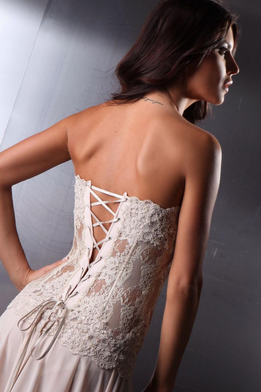 designer abendkleid aus spitze & chiffon beige creme nude
