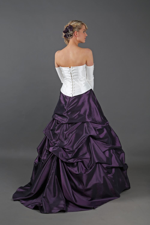 ... Günstiges Brautkleid mit Schleppe lila creme andere Farben möglich