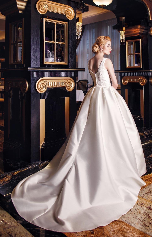 Brautkleid mit Schleppe aus Satin Maßanfertigung - Kleiderfreuden