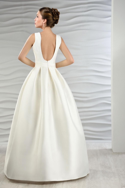 Satin Brautkleid mit Jacke und Kellerfalten - Kleiderfreuden