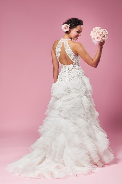 Brautkleid mit Neckholder und transparenter Korsage - Kleiderfreuden
