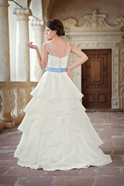 Brautkleid mit Brautgürtel in lila/flieder - Kleiderfreuden