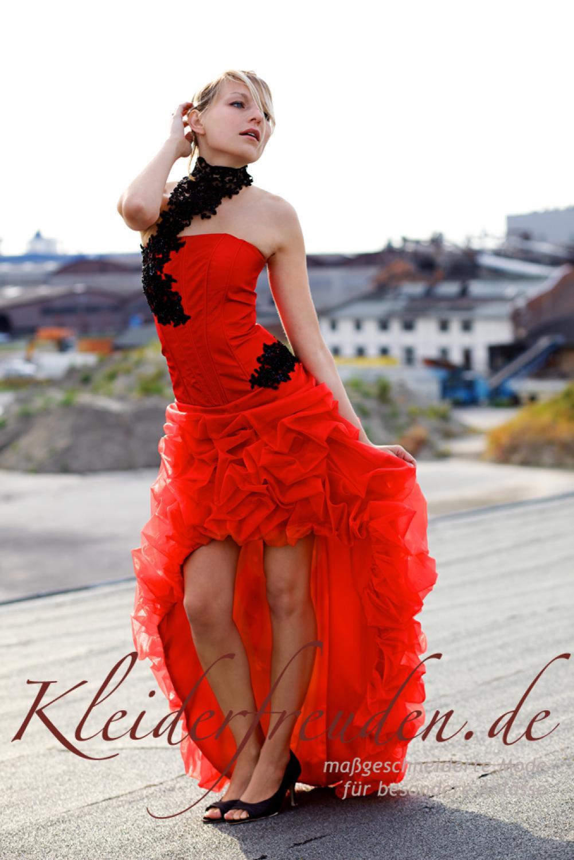 Cocktailkleid Abendkleid rot mit Halsschmuck und langer
