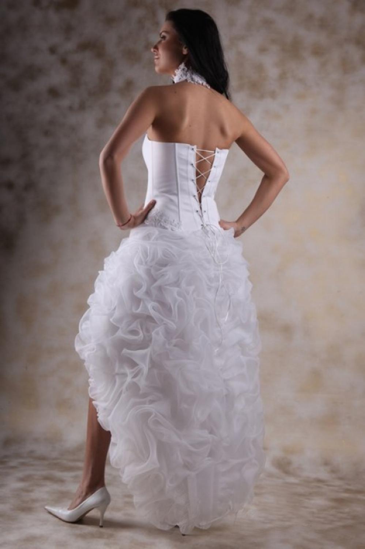 Kurzes Brautkleid mit langer Schleppe - Kleiderfreuden