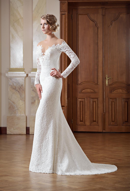 Schmales Brautkleid schulterfrei mit langen Ärmeln - Kleiderfreuden