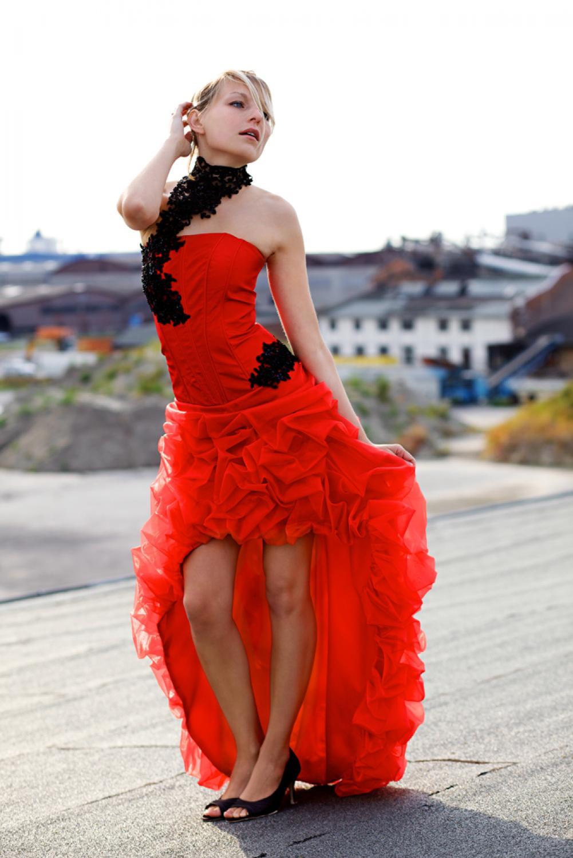 Rotes brautkleid vorne kurz hinten lang mit schleppe kleiderfreuden - Rotes brautkleid kurz ...
