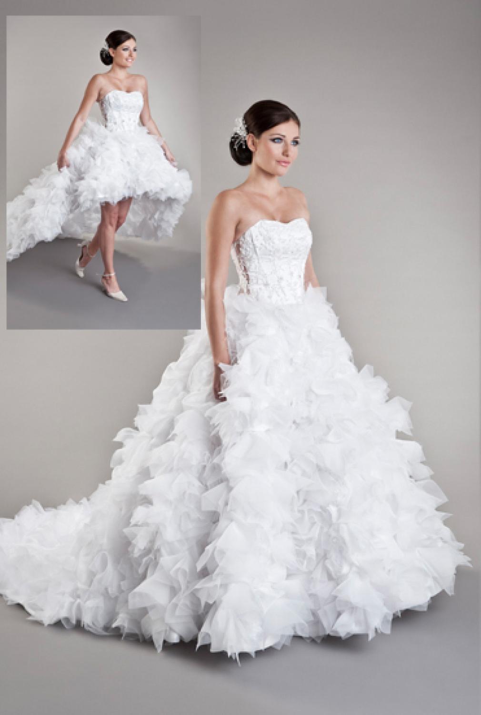 Brautkleid mit abnehmbarer Schleppe und Federn - Kleiderfreuden