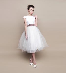 Kurze Hochzeitskleider Und Brautkleider Massgeschneidert